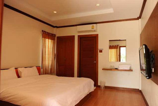 bedroom king bed buriram Thaialnd